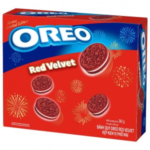 Red Velvet Oreo Cookies Festive Edition 342g